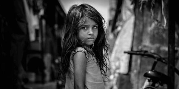 少女愛(ロリコン)・少年愛(ショタコン)・小児性愛(ペドフィリア) 心が傷ついた子供の写真